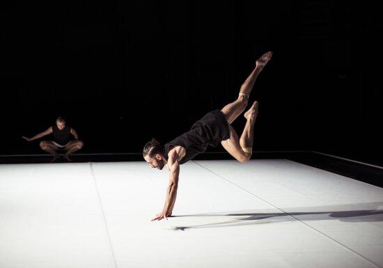 Chunky Move / Anouk van Dijk © Pippa Samaya