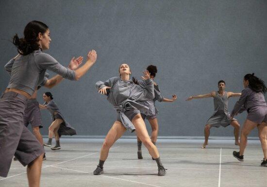 GRIP / Jan Martens & Dance On Ensemble © Phile Deprez